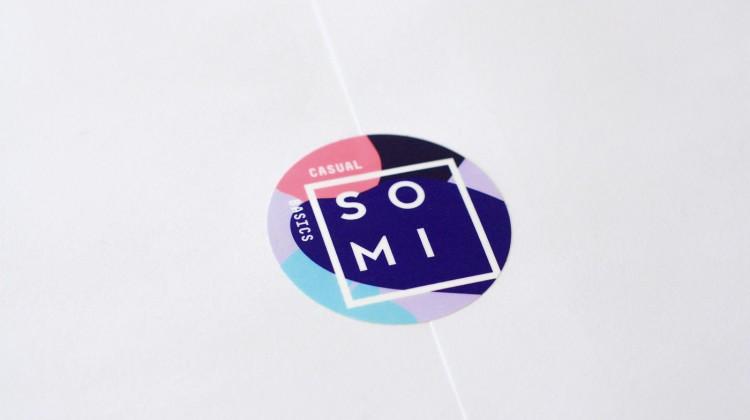 HEADERjulia-kostreva-studio-logo-branding-SOMI-stickerB-1